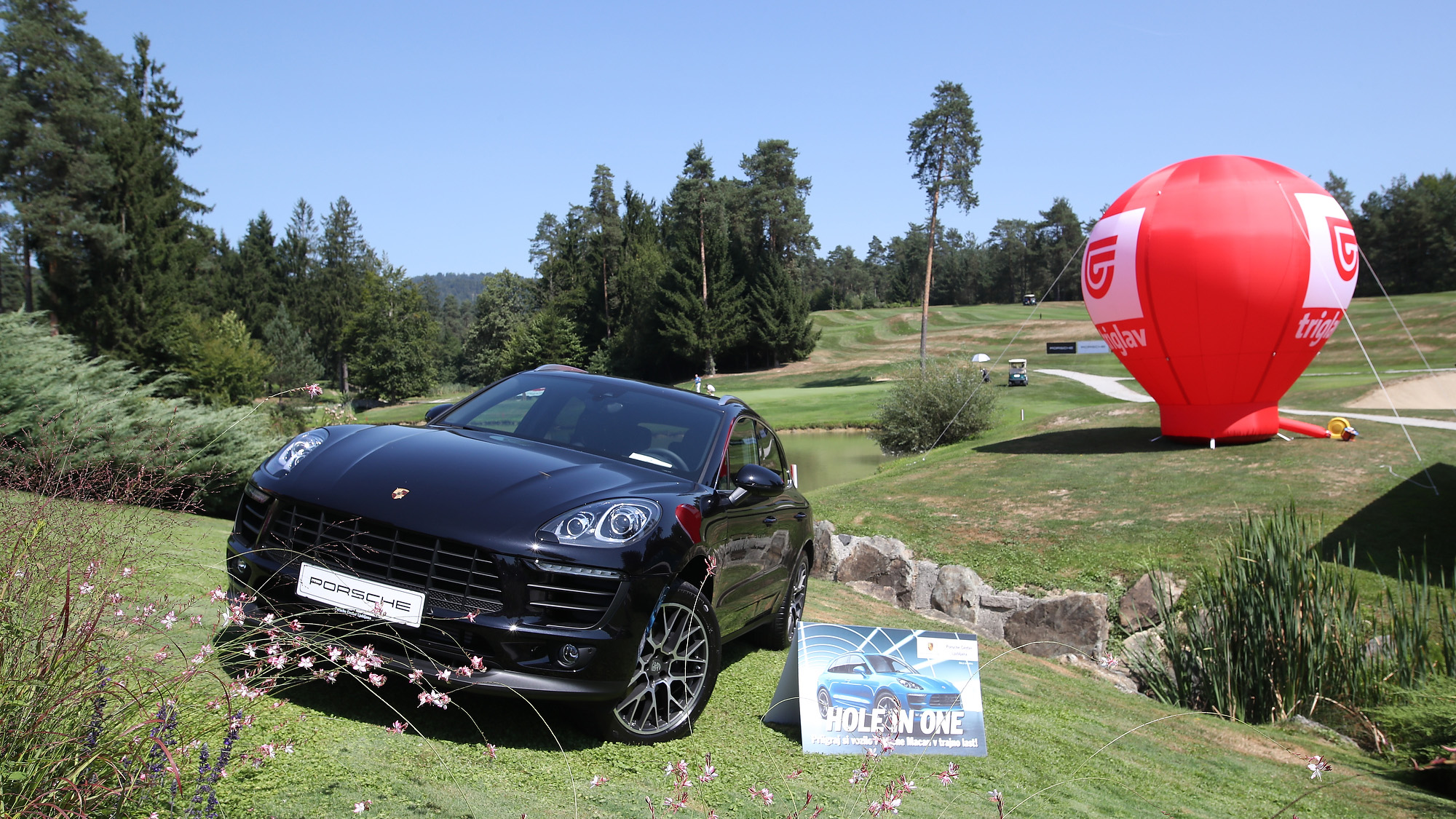 Macan hole in one golf
